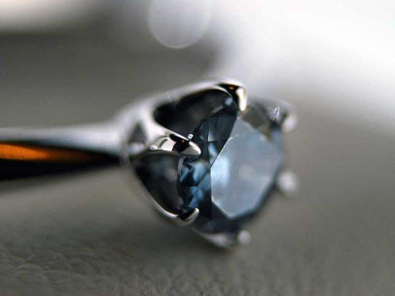 Cremation Jewellery Ash Diamond Ring Algordanza Switzerland