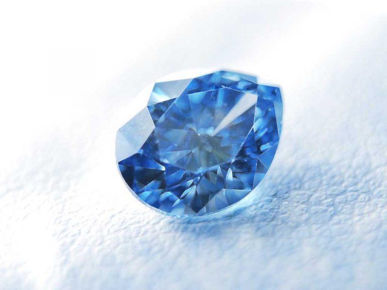 Beautiful cremation diamond from Algordanza, We turn ashes into diamonds UK