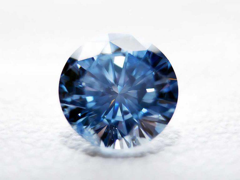 Beautiful cremation diamond from Algordanza, We turn ashes into diamonds Worldwide